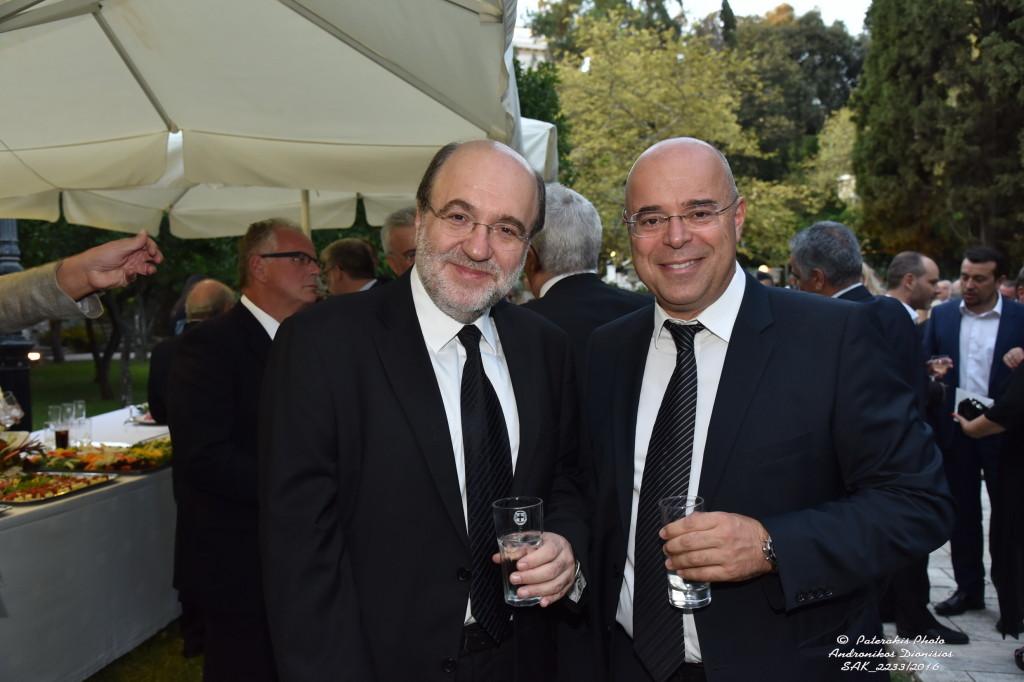 O πρόεδρος του Συμβολαιογραφικού Συλλόγου Αθηνών με τον αναπληρωτή Υπουργό Οικονομικών